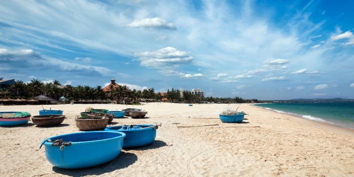 Vietnam by train & Beach leisure 18 Days